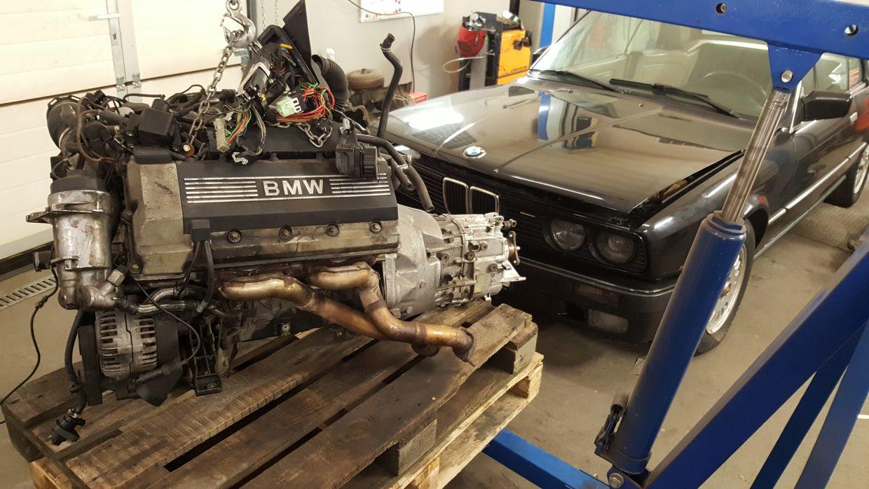 BMW E30 cabrio hardtop swap silnika M62B44