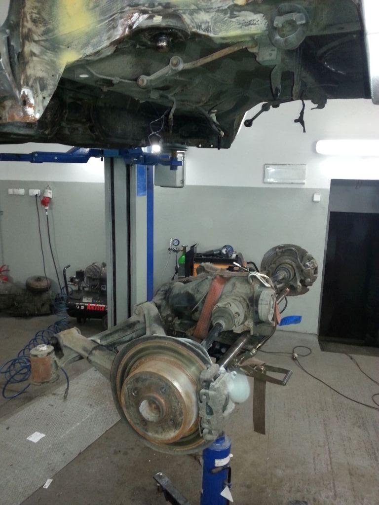 demontaż zawieszenia BMW E30