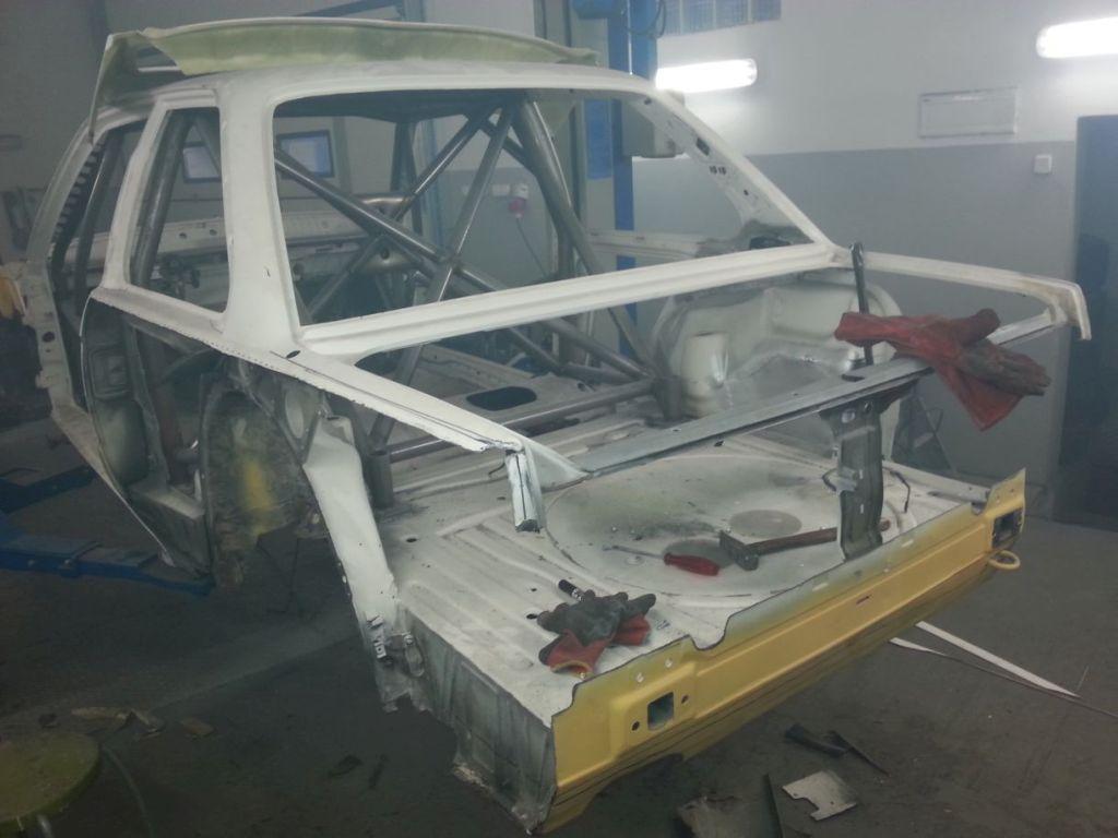 E30 replica E30 cutiing body chasis